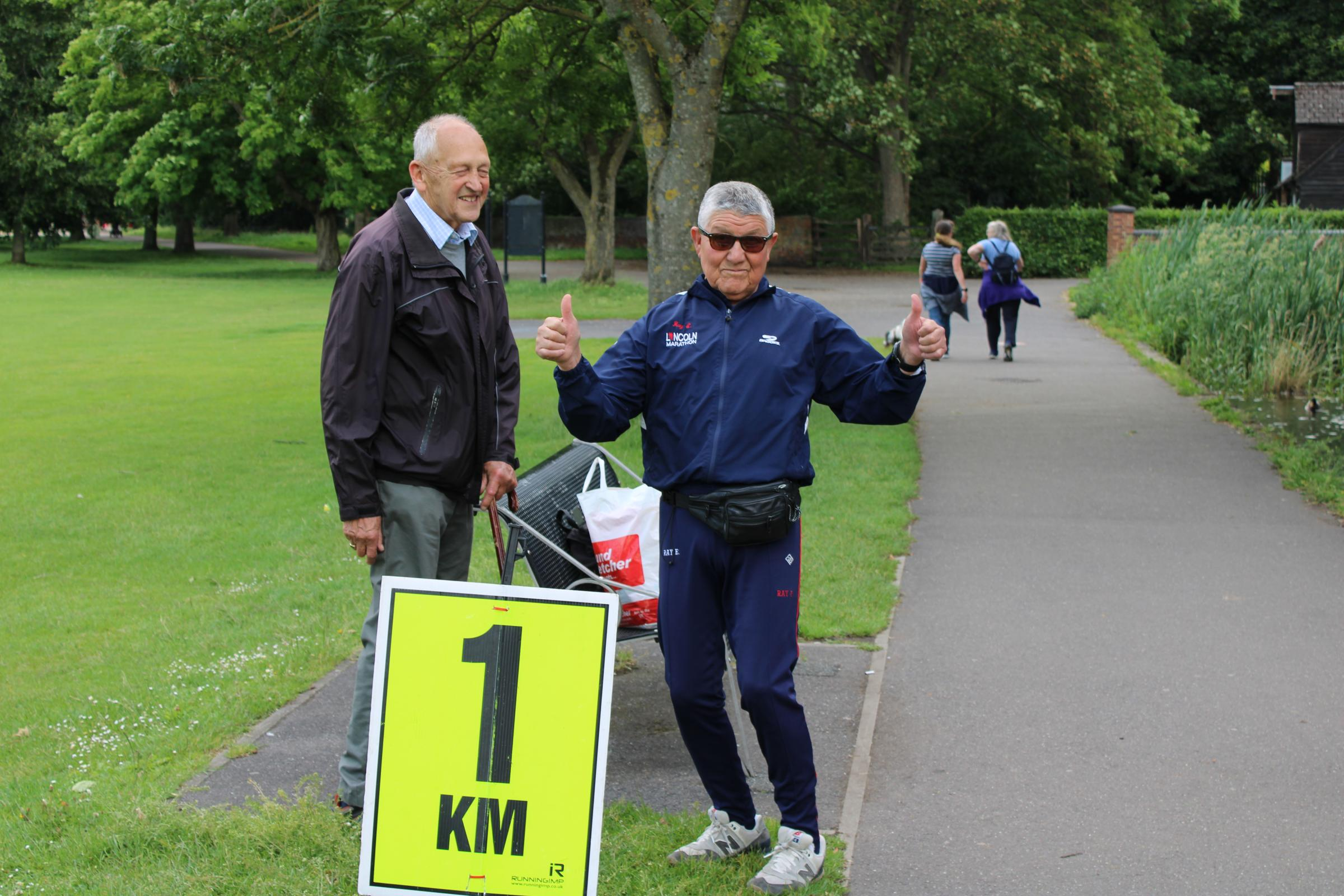 Bucks Free Press: Ray at the 1km marker