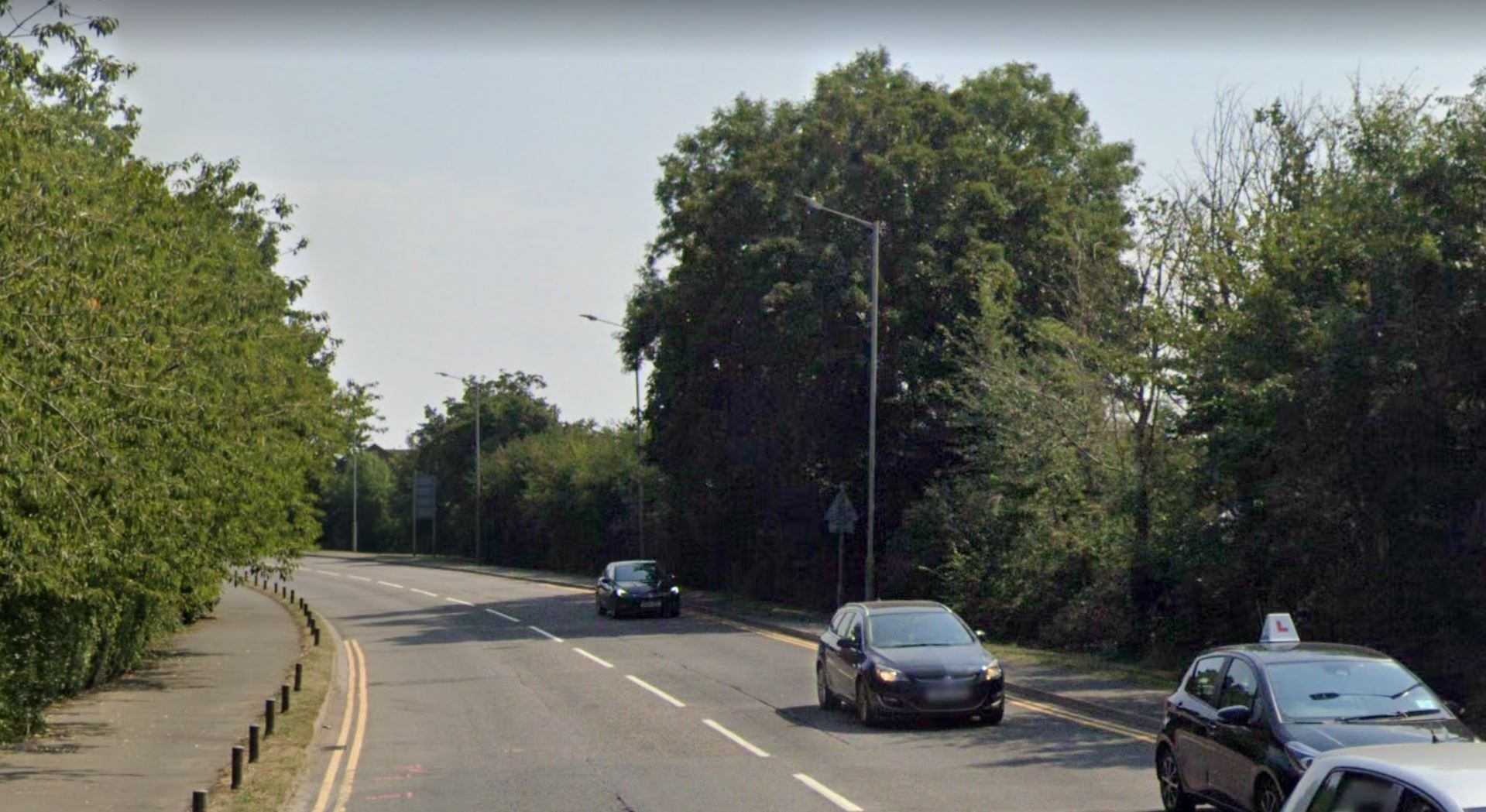 A41 Bicester Road closed after two serious crashes