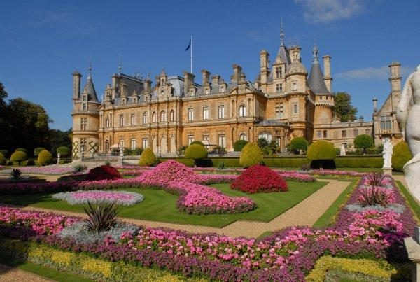 Waddesdon Manor awarded TripAdvisor sticker
