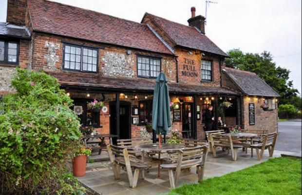 Traditional pub pleasures at The Full Moon in Little Kingshill