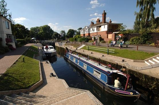 Volunteer River Thames lockkeepers sought