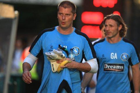 Bucks Free Press: Lee Harrison (l) with Gareth Ainsworth