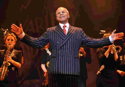 Gary Wilmot to switch on Wycombe's Christmas lights