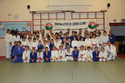Bucks Free Press: Ashley McKenzie with the players of Micklefield, Stokenchurch and Hazlemere Judo Clubs