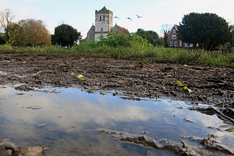 Fury over Marlow river path sparks council action