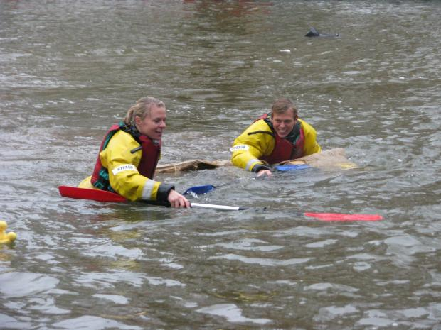 Olympic medal winners sink in River Thames