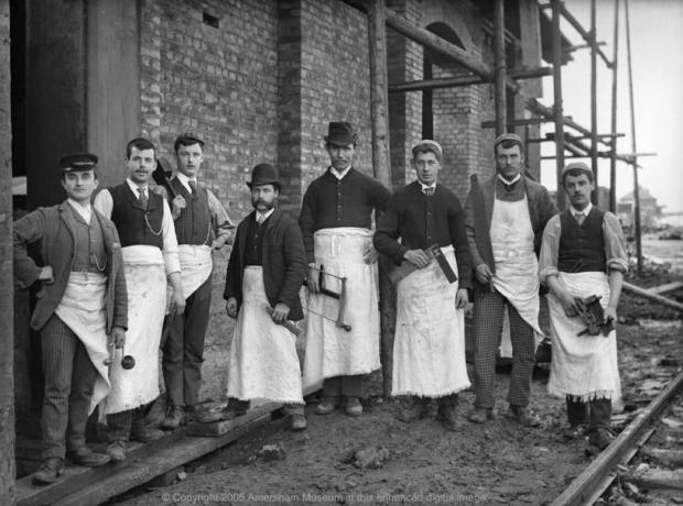 Workmen constructing Amersham railway station. Photo courtesy of the Amers