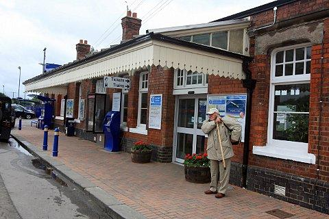 Price freeze for Risborough rail-users
