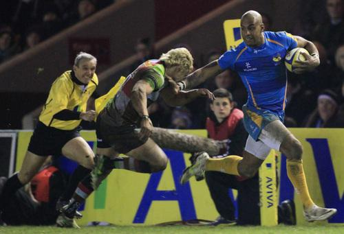 Tom Varndell goes over against Quins
