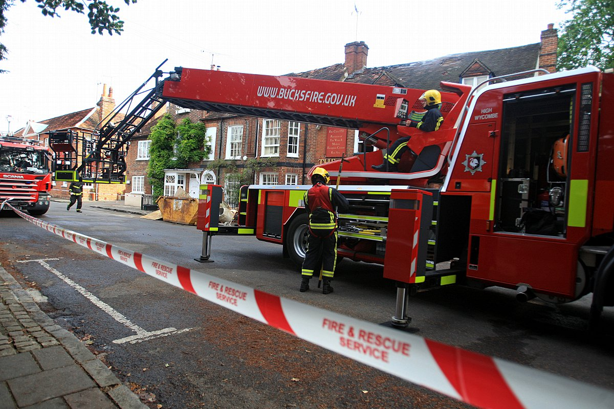 Marlow pub hit by early-hours fire