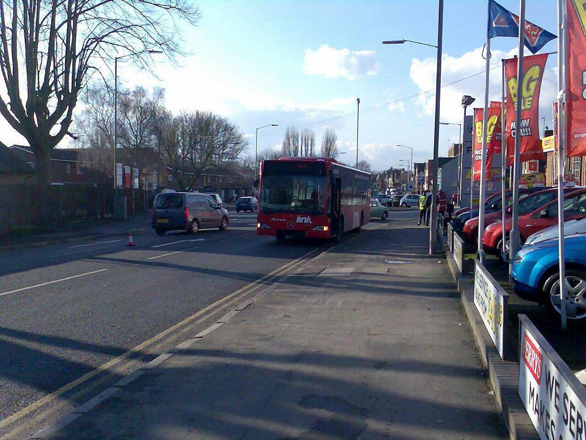 Bus company signs up to improvement deal