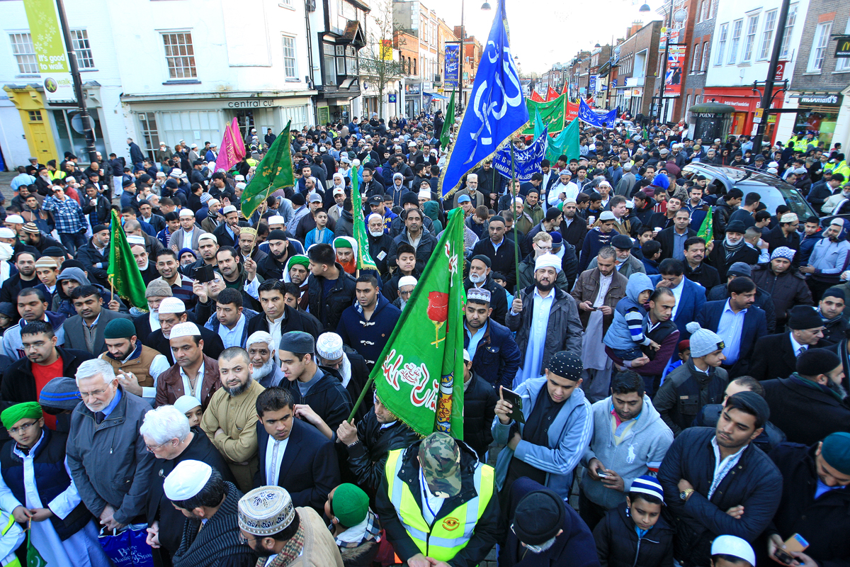 'Biggest turnout ever' for High Wycombe Muslim parade