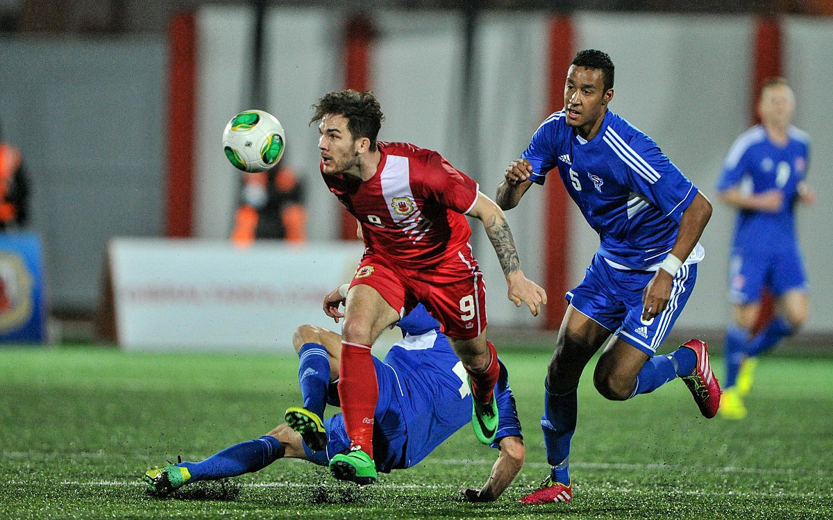 Reece Styche in action for Gibraltar. Photo by DM Parody (dotcom.gi/photos).