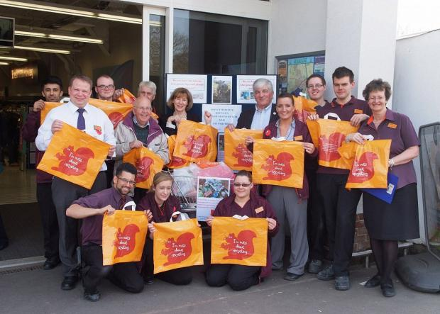 Supermarket hands out thousands of bags to keep town tidy