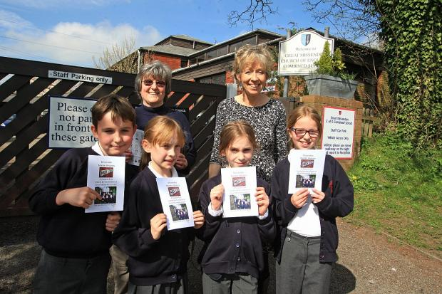 Teacher Pat Tonge, Headteacher Rozalyn Thomson and pupils launch the Great Missenden Treasure Trail