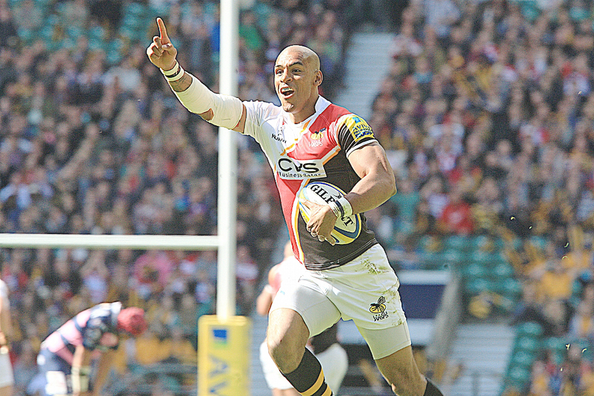 Tom Varndell goes over at Twickenham