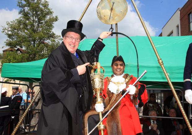 Bucks Free Press: Cllr Trevor Snaith and Mayor Khalil Ahmed
