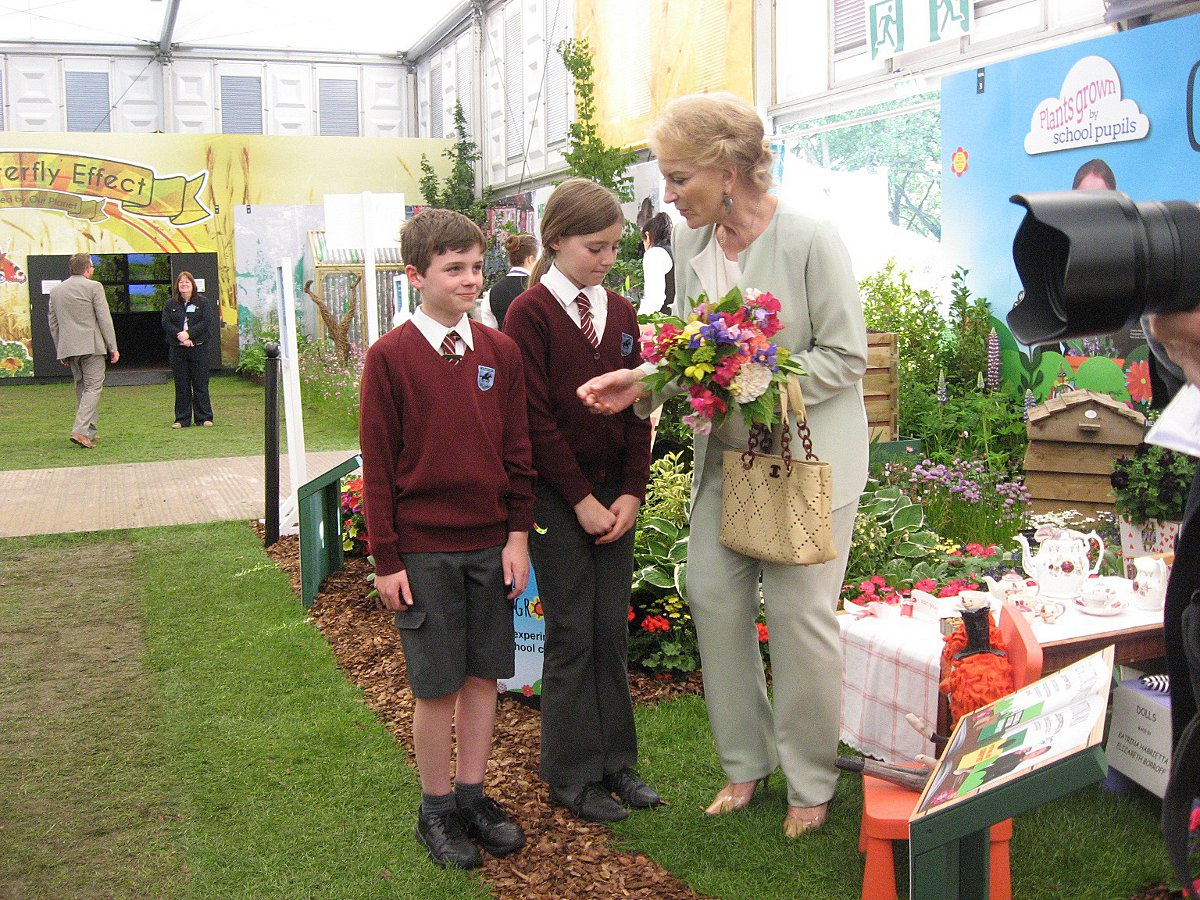 Budding gardeners receive royal approval