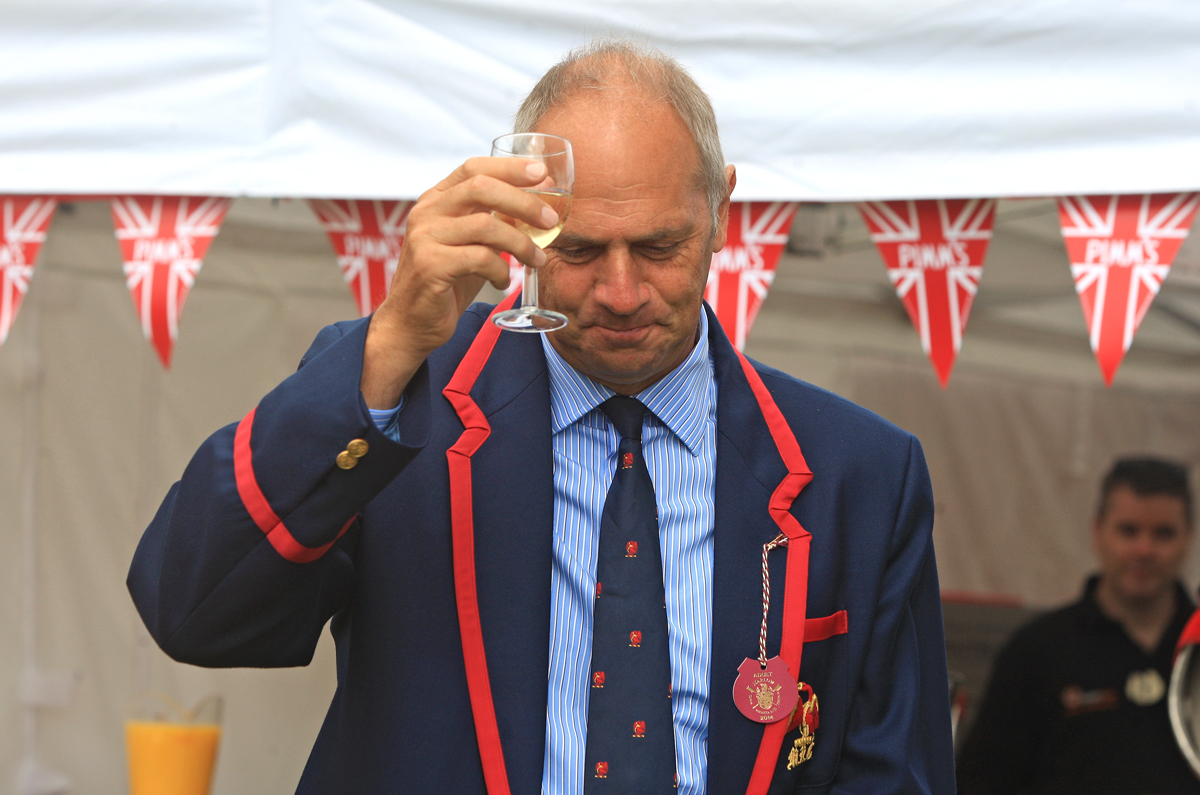 Sir Steve Redgrave arrives by boat to open 14th Marlow Town Regatta