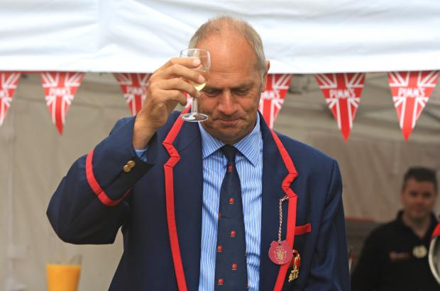 Bucks Free Press: Sir Steve Redgrave opens the regatta.