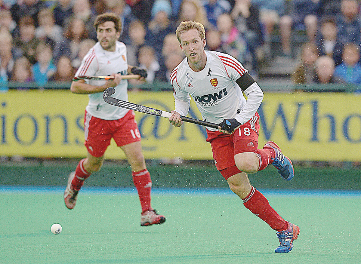 England's hockey teams progress in Glasgow thanks to Marlow pair