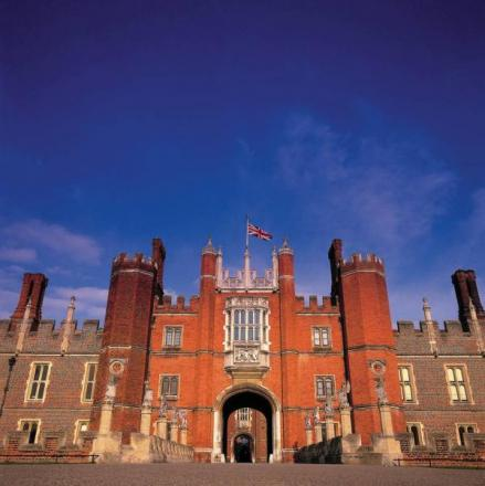 TV historian to lead Henry VIII palace talk