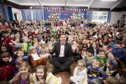 David Walliams touches down at Great Missenden school for World Book Day