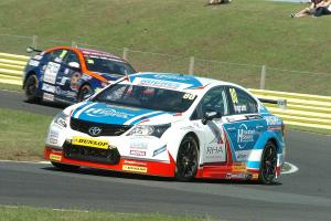 Ingram collects three top eight finishes at Croft