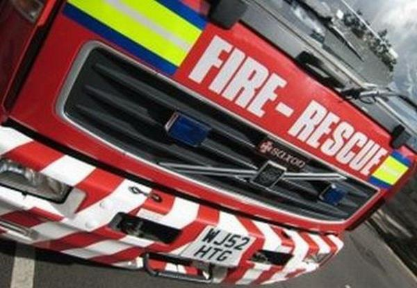 Fire crew tackle early morning car blaze