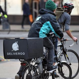 Bucks Free Press: Deliveroo cycle riders are reportedly on a pay-per-delivery scheme