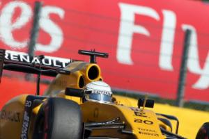 Kevin Magnussen walks away from crash with nothing but a minor injury