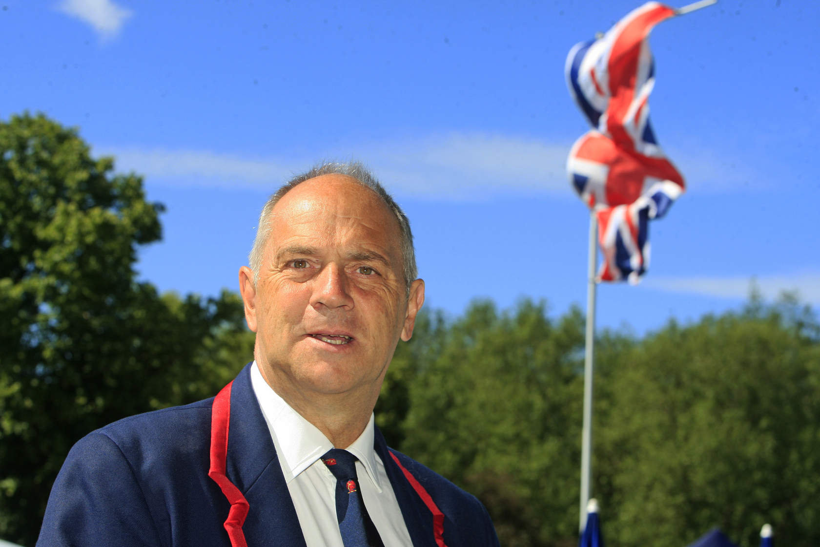 Rowing legend Sir Steve Redgrave to kick off town regatta once again
