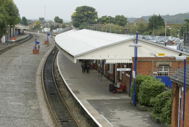 Trains could run from High Wycombe to Oxford from 2015