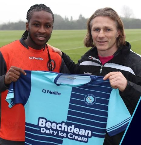 Wanderers celebrate new signing - @wwfcofficial