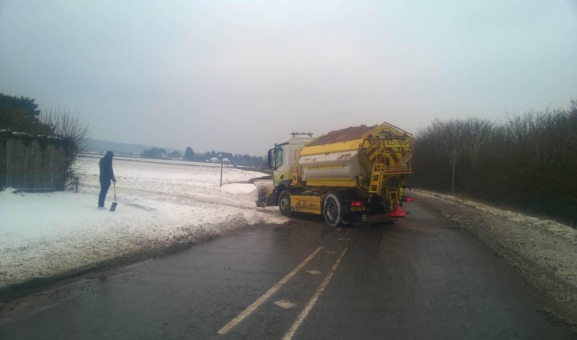 Gritters clear the driveway at Saunderton Lodge