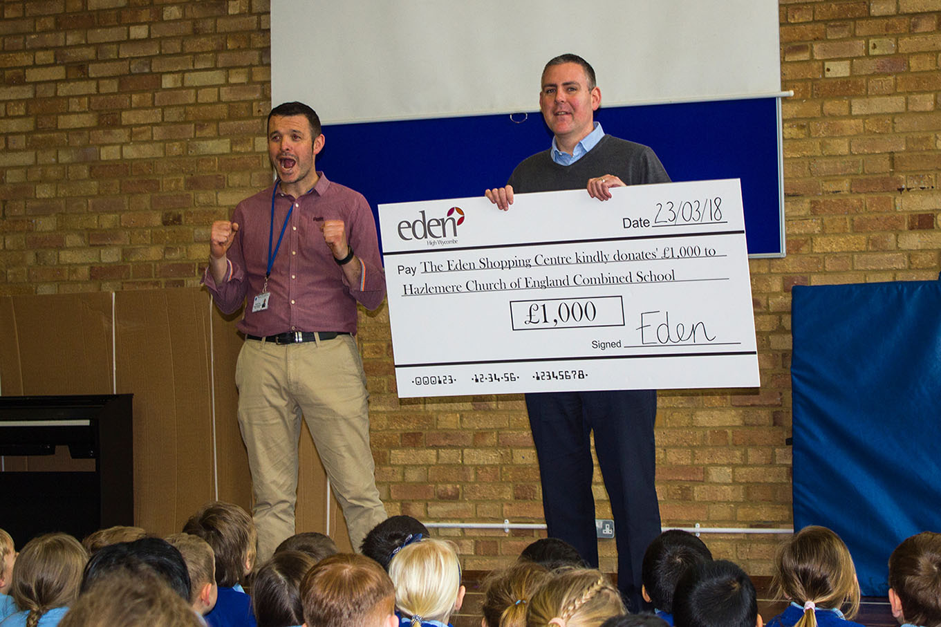 Schools win cash prizes in shopping centre competition