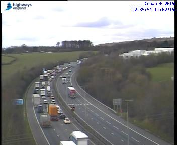 Delays after crash on M40 partially blocks the road